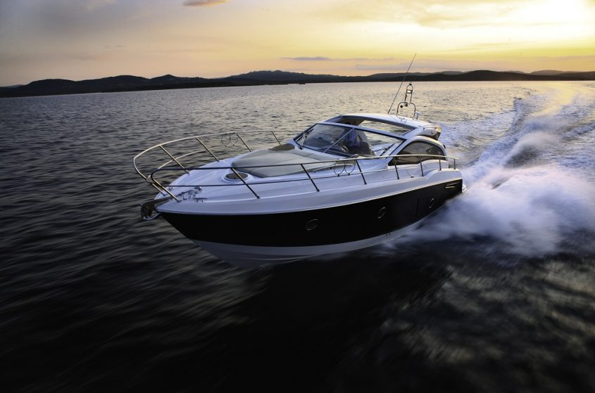 Boat Window Tint's Amazing Advantages to Users