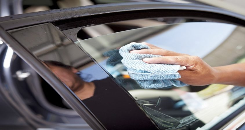 Things to Know When Hiring a Professional Car Window Tint Installer