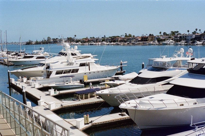 Why Bradenton Yacht Owners Use Marine Window Tint
