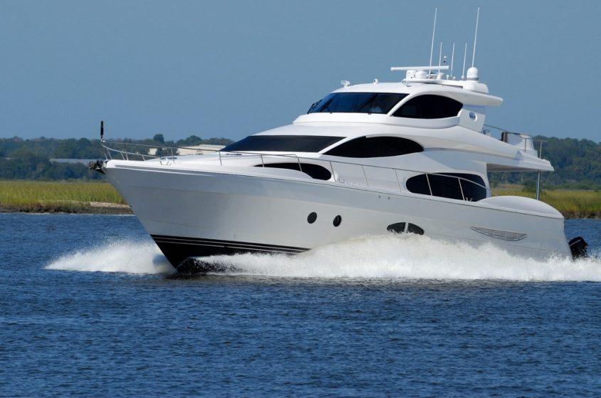 Why Florida Yachts Need Professional Window Tint Installation